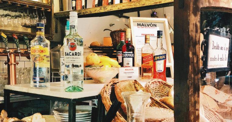 Malvón: tragos, café y pastelería en Villa Crespo.
