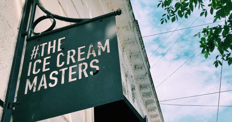 Lucciano's: paletas y helado artesanal.