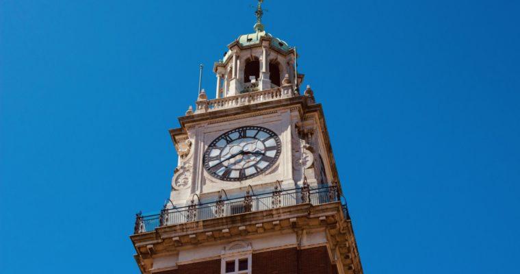 ¿Cómo subir a la Torre Monumental?